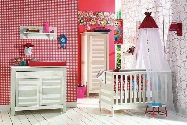 Idee deco chambre bebe page 3 for Babykamer deco